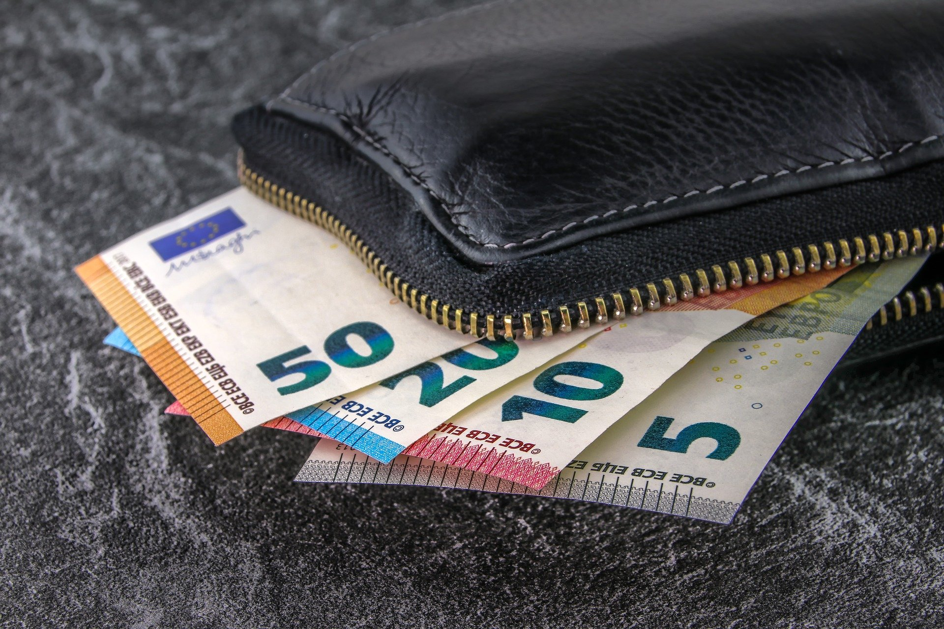 money-3918183_1920